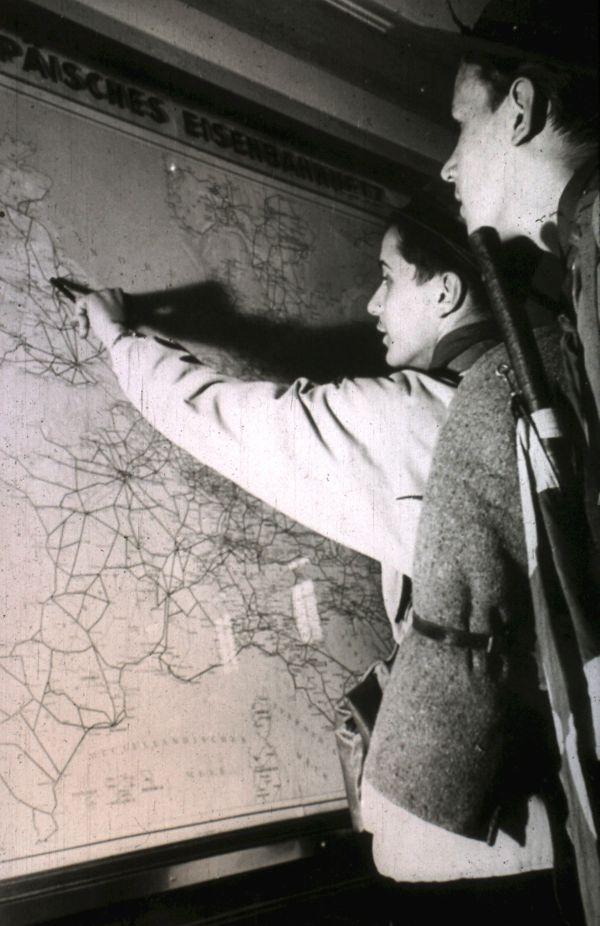 1956 (6)